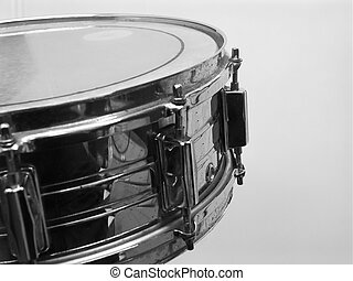 drum kit 1 - black and white modern metal drum Note: Narrow...