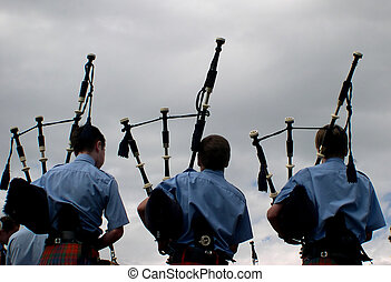 Pipes 2001 - bagpipers