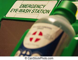 eye wash station - first aid eye wash station