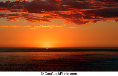 Sunset, New Plymouth - The last rays of the day over the...