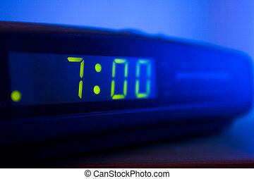 Digital radio alarm clock 7oclock - Digital radio alarm...