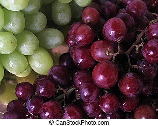 Red and green grapes - Cluster of red and green grapes
