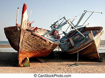 dhows, abandonado