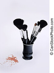 makeup brushes - Set of makeup brushes and loose powder