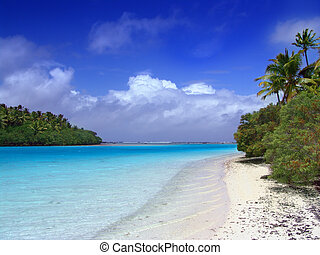 Lagoon Beach - Lagoon meets the Pacific - Aitutaki