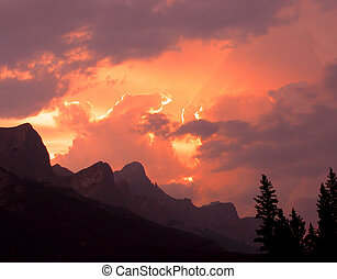 Mt Rundle sunset - sunset over Mt Rundle, Canmore, near...