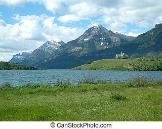 Prince Wales hotel - Prince of Wales hotel in waterton NP,...