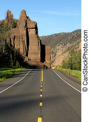 road to yellowstone - on the road to yellowstone national...