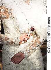 Wedding gown #13 - White weddinggown with feather fan