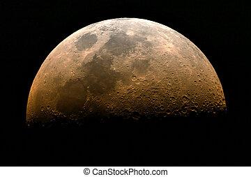 一半, 月亮