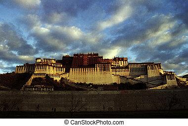 Potala, 宮殿