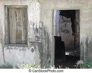 Abandoned House - Dilapitated old island house