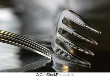 dos, tenedores