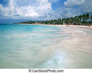 In Tropical waters - Being hit by the waves of the Caribbean...