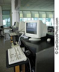 airport gate podium