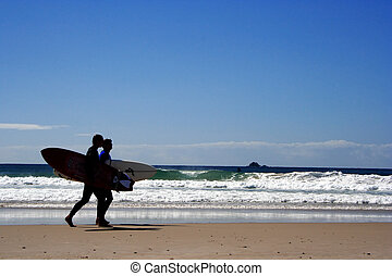 Surfers Silhouette - surfers at byron bay, australie,...