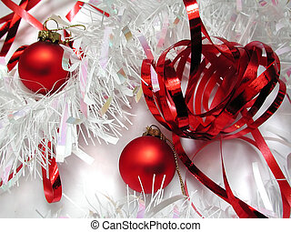 Red and white xmas - Red and white Christmas decorations on...