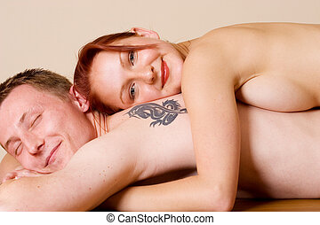 couple #25 - Woman on the back of her boyfriend, smiling