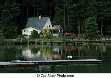 Home On The Lake - A beautiful Oregon lake setting
