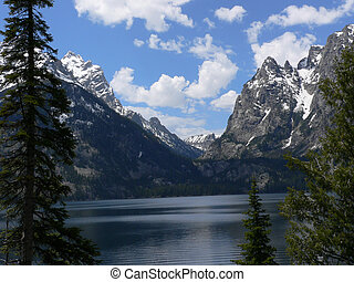 Jackson Lake, Grand Teton - Jackson Lake and mountains in...