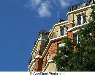 House in the sky - Bricks parisian house in the sky