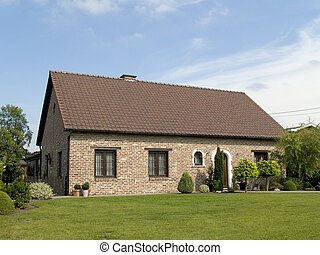 Suburban house - Rural suburban house with garden in belgium...