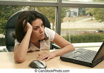 menina, trabalhando, cansadas