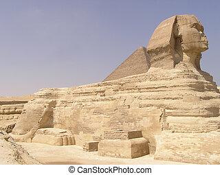 Sphinx profile - Profile of Sphinx of Giza (Giseh), Egypt,...