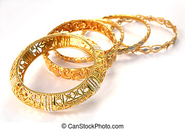 Gold bracelets 8 - A group of 22k gold bracelets, showing...