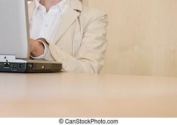 ordinateur portable, table