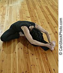 Yogi 2 - gymnastics, acrobatics