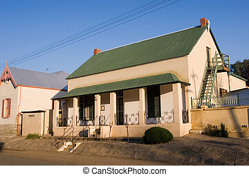 Guesthouse #2 - Guesthouse with green roof in Colesberg,...