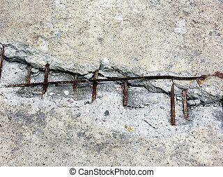 Cracked concrete - Cracked reinforced concrete monolith...