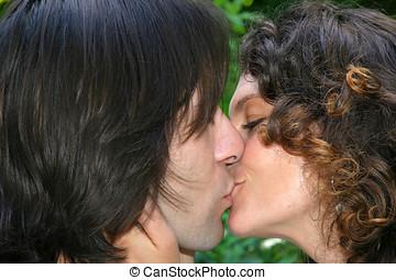 Big kiss - Kissing couple