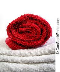towels - face cloth and bath towel