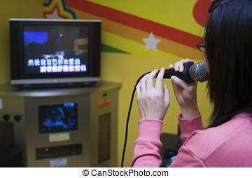 Karaoke - Girl singing karaoke
