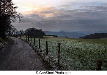 Paese, inverno, pomeriggio