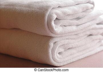 towel I - white towel