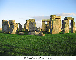 Stonehenge - A nice shot of Stonehenge