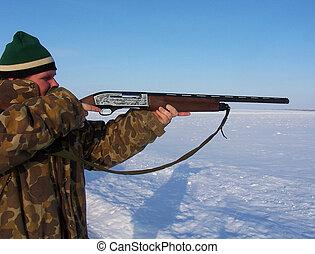 Deer Hunter 1 - Hunter aiming at deer, hunting season