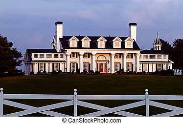 Southern Charm - Antibellum mansion in the late afternoon...