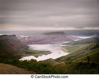 Flaming gorge - The gorgeous Flaming gorge on a misty day...