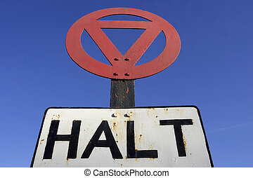 Halt at major road sign