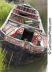 Sinking boat - Sinking narrow boat, black country living...