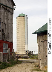 Farm and Silo - Farm Photo: Mennonite Farm and Silo,...