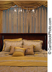 Bedroom - home interiors - Bedroom decorated in yellow