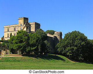Lourmarin Castle in Provence - The renaissance castle of...