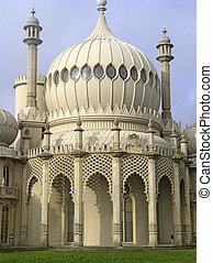 Brighton pavillion - The extraordinary landmark on the...