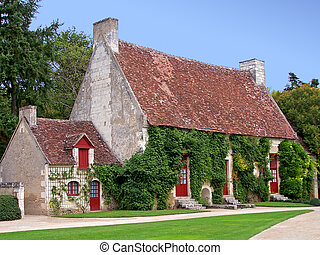 French Country House - A pintoresque old french country...