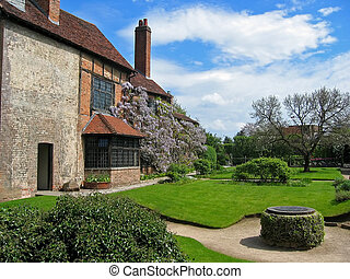 Shakespeare\\\'s Home - home of shakespeare in england